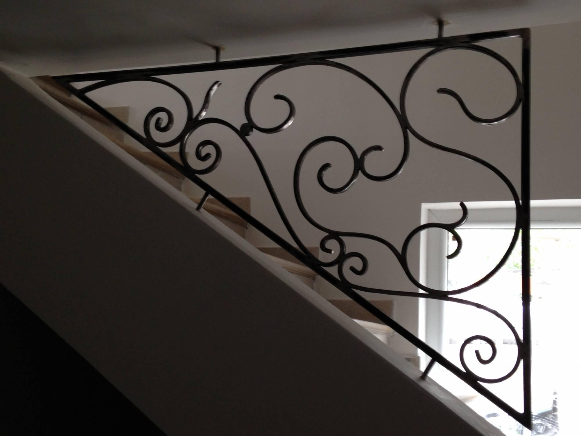 garde corps forme triangle mod le rosine ferronnerie hy res var la ferronhyeres. Black Bedroom Furniture Sets. Home Design Ideas
