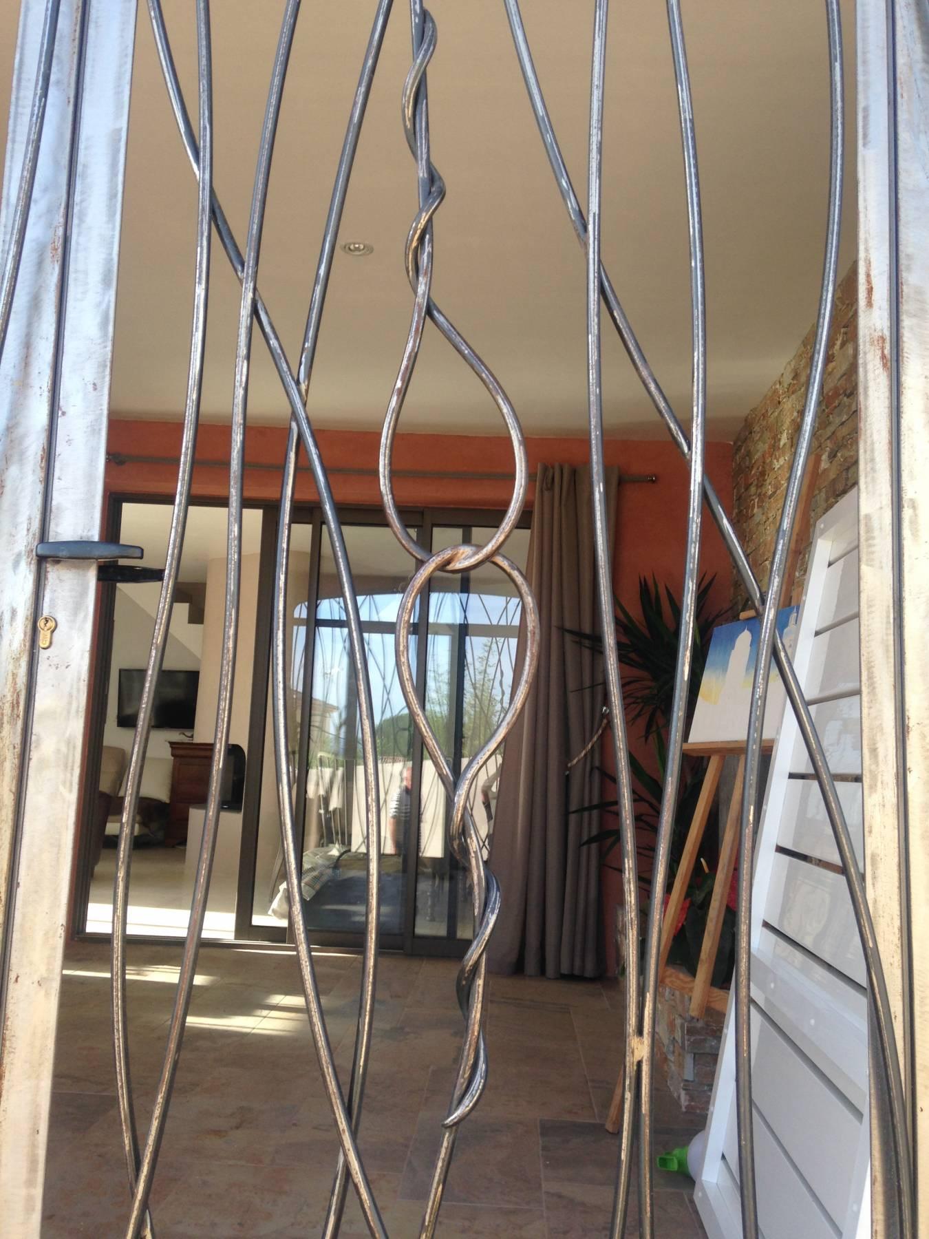 Fabrication Sur Mesure Porte Grille Vitrée Modèle Carla - Grille porte