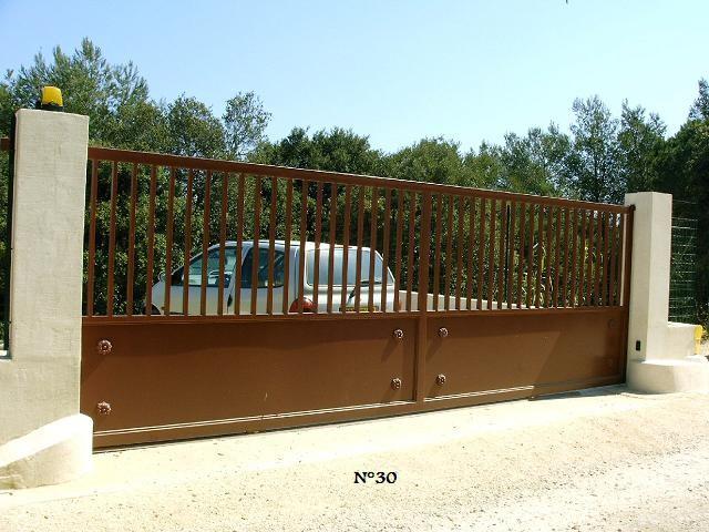 fabrication d 39 un portail coulissant en acier dans le var mod le bastien ferronnerie hy res