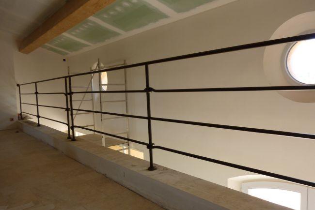 fabrication garde corps et rampes en fer forg sur hy res la ferronhyeres. Black Bedroom Furniture Sets. Home Design Ideas