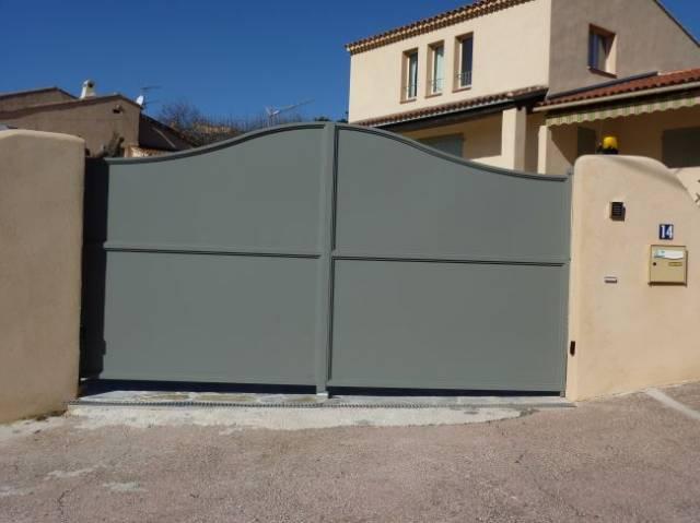 fabrication portail en acier tout t l 2 vantaux mod le romain ferronnerie hy res var la. Black Bedroom Furniture Sets. Home Design Ideas